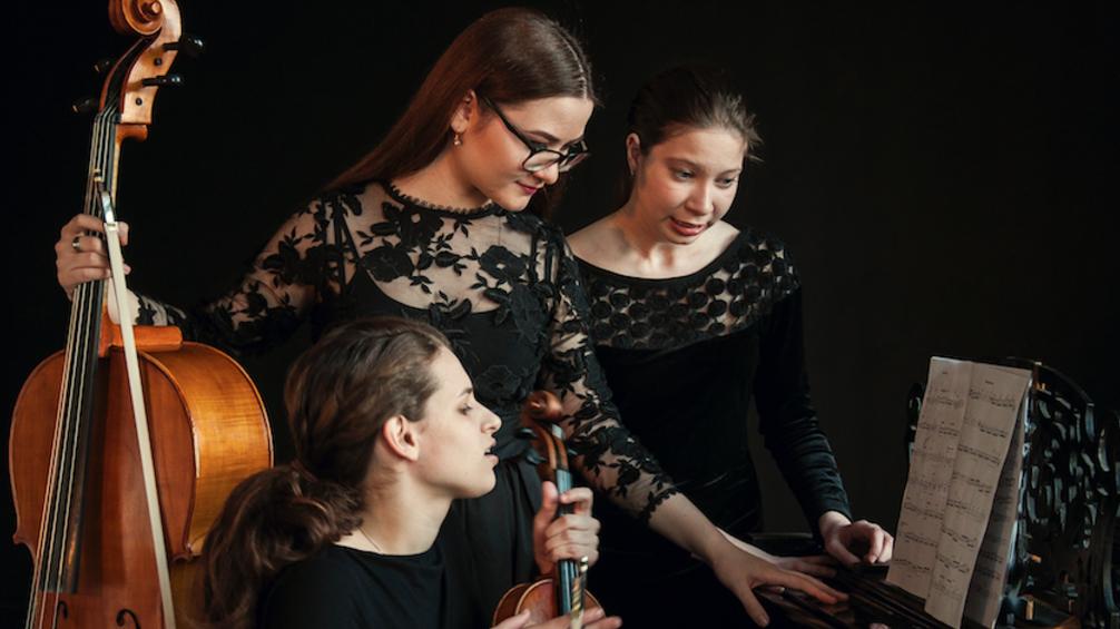 Bell Trio , Rusland / International Holland Music Sessions