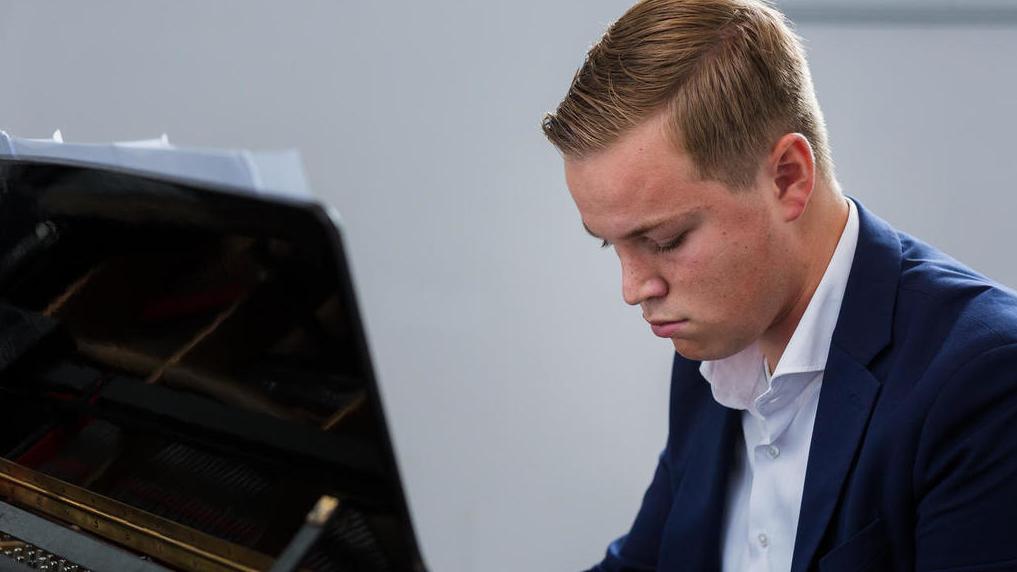 Voorjaars-pianoconcert Laurence Fierens